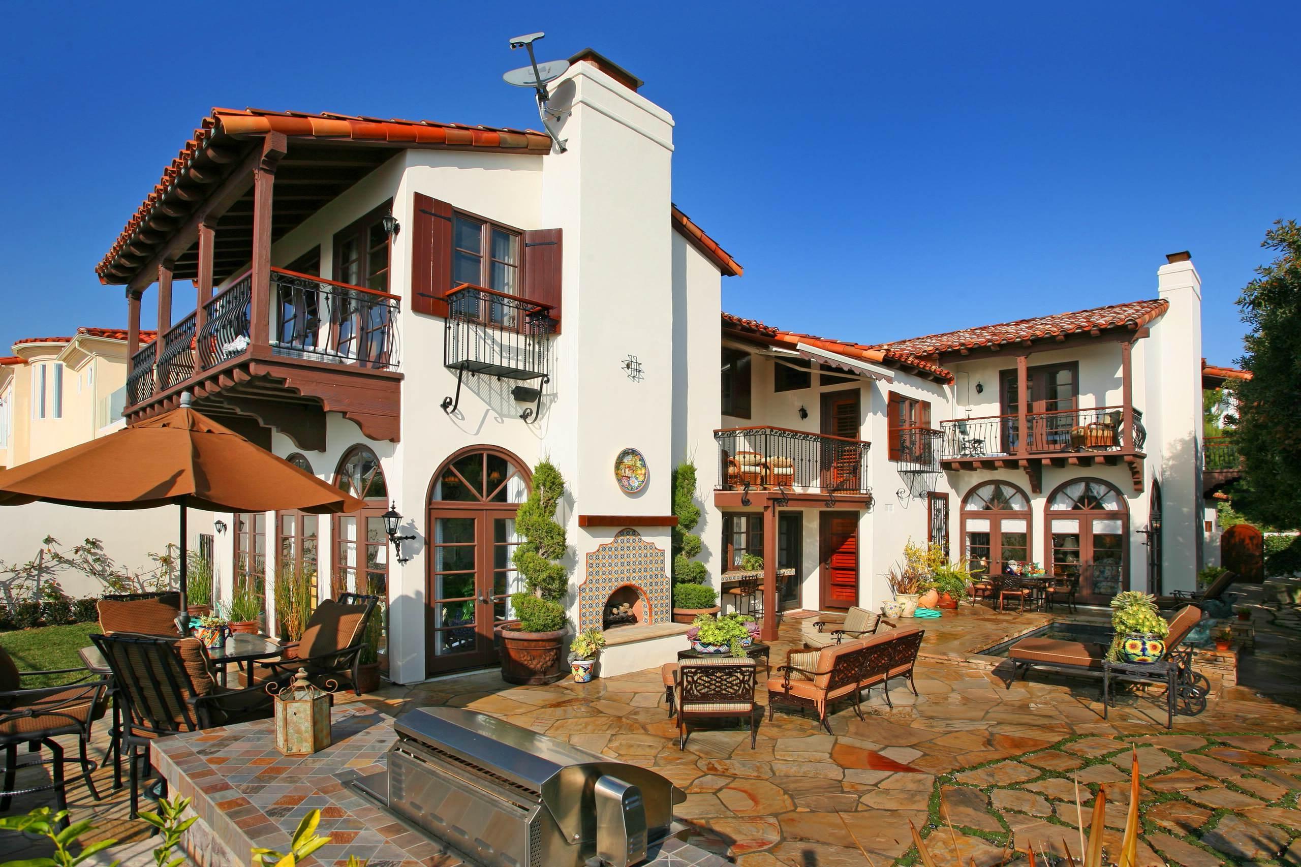 Sonnenschirm für Balkon im Landhaus-Stil