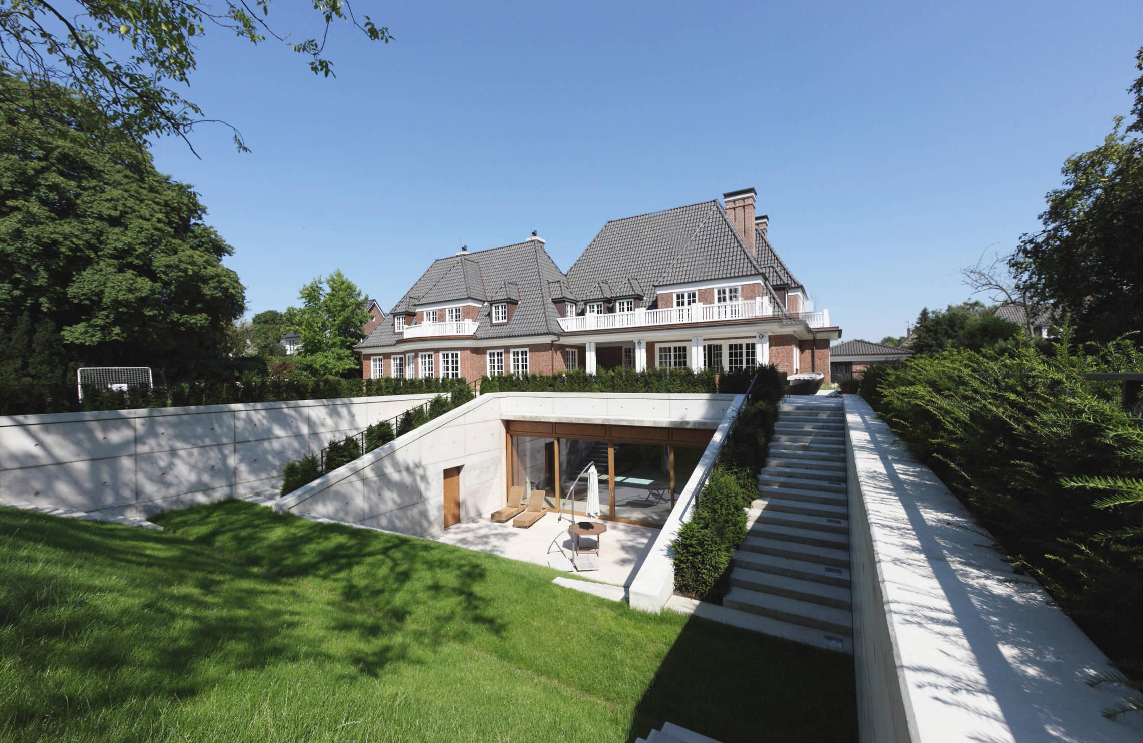 Moderner Sonnenschirm für Balkon und Terrasse