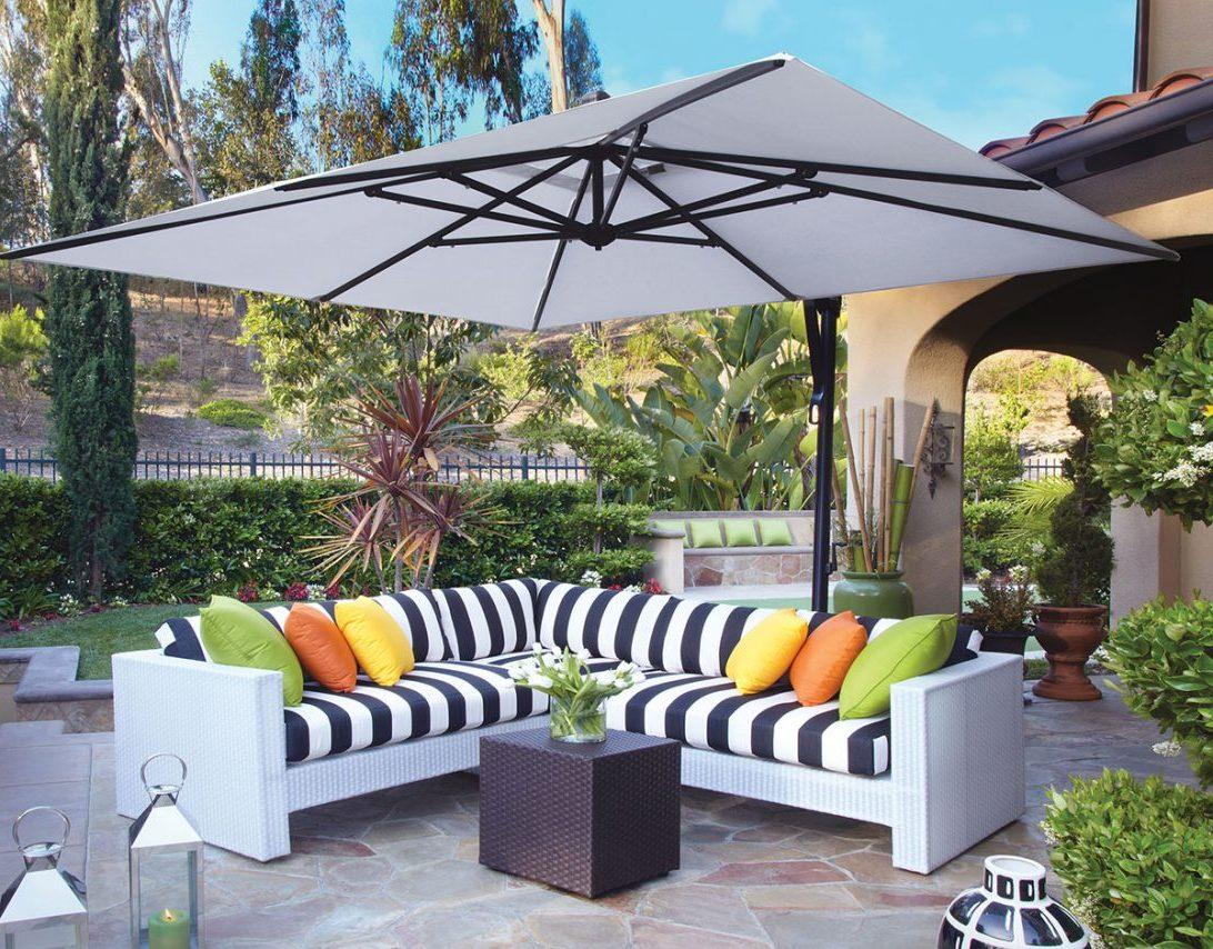 Freistehender Sonnenschirm für die größeren Balkons, und ... für die kleineren