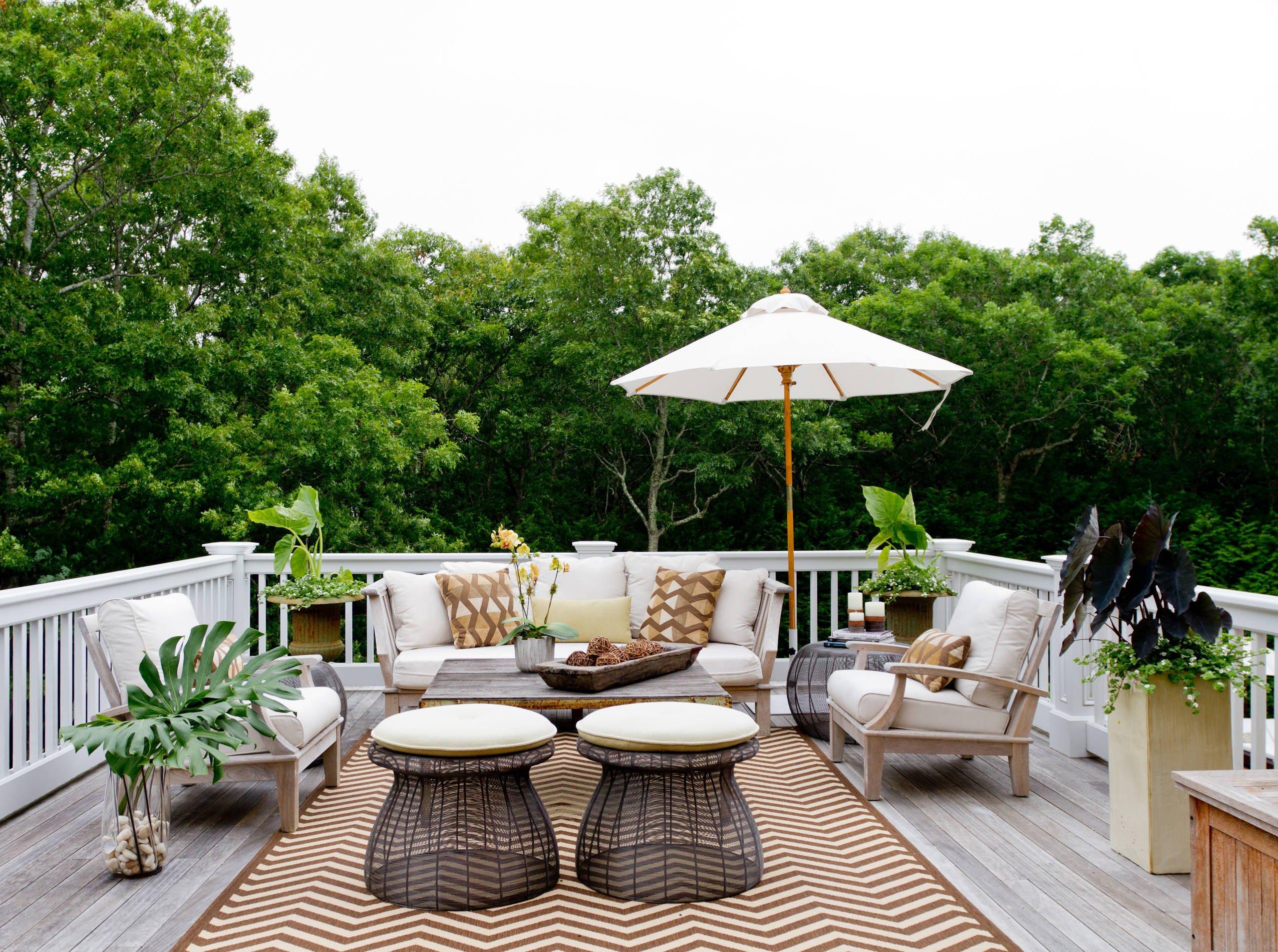 Welcher Form vom Sonnenschirm sollten Sie wählen, sodass Sie den optimalen Sonnenschutz im Sommer genießen?