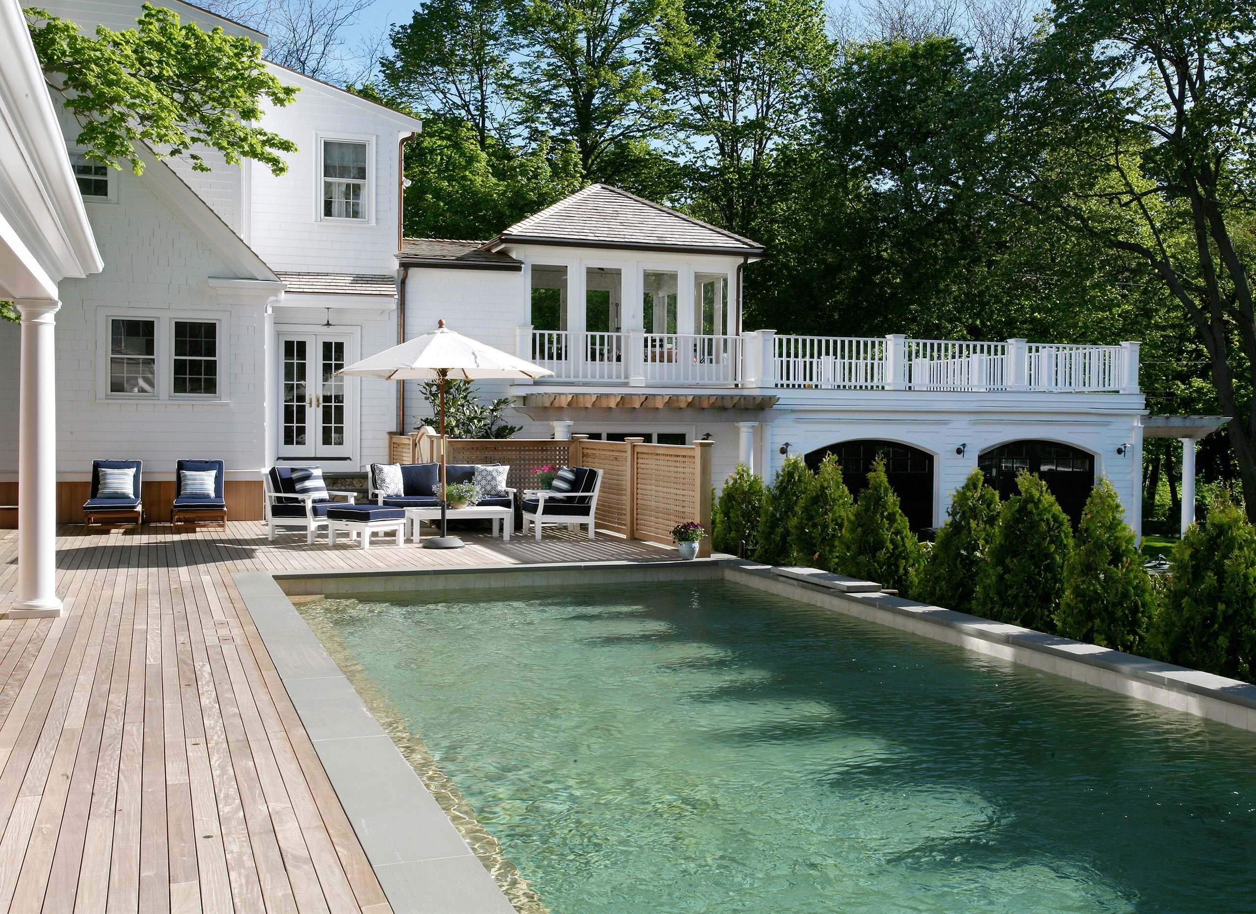 Tipps für den Kauf vom perfekten Sonnenschirm Balkon