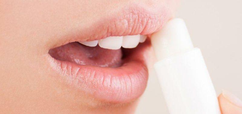 trockene Lippen Rezepte hausmittel