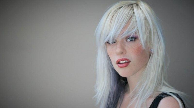 Haare weiβ färben moderner Look