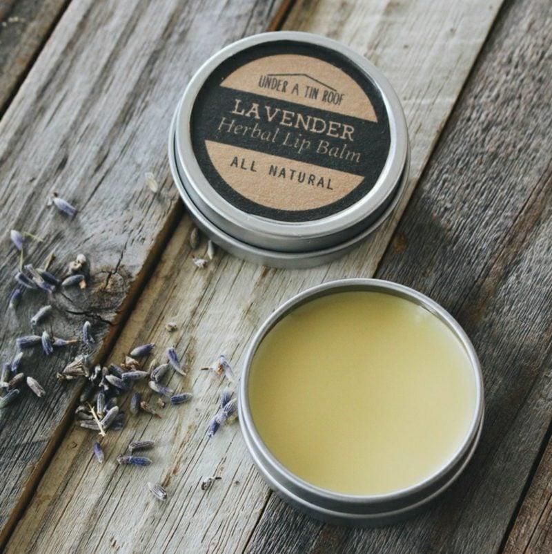 trockene Lippen Balsam zubereiten Lavendel