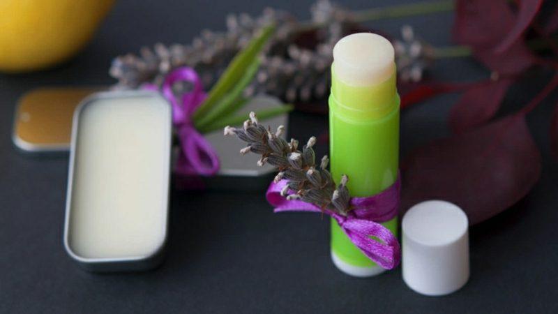 trockene Lippen Balsam Lavendel
