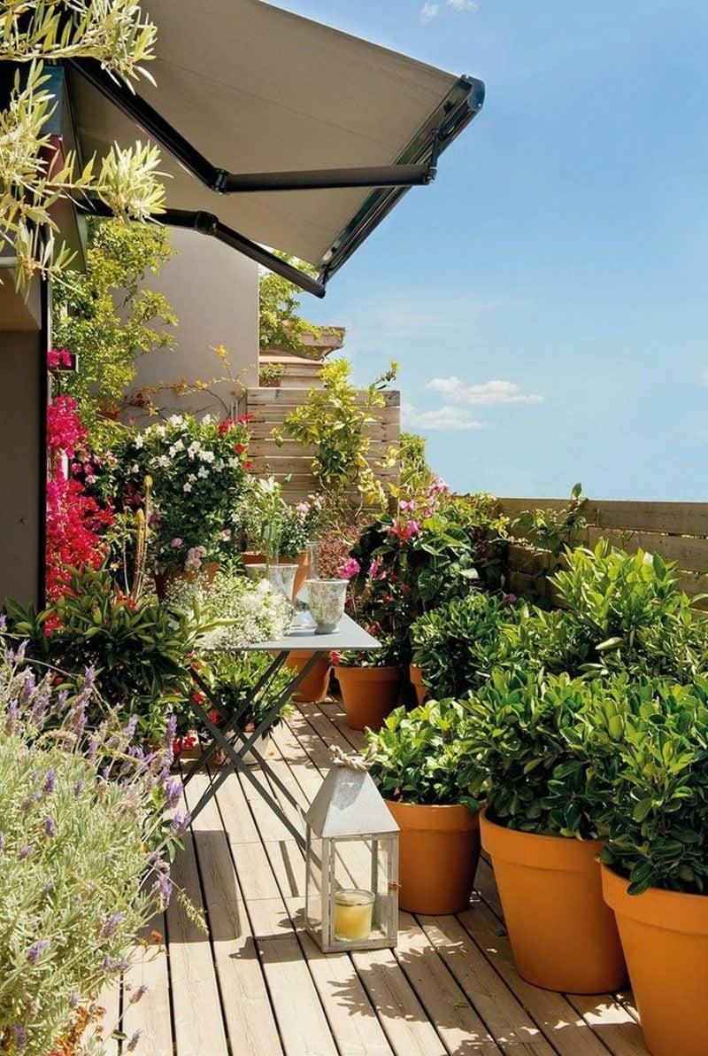 Balkongestaltung mit Pflanzen praktische Tipps