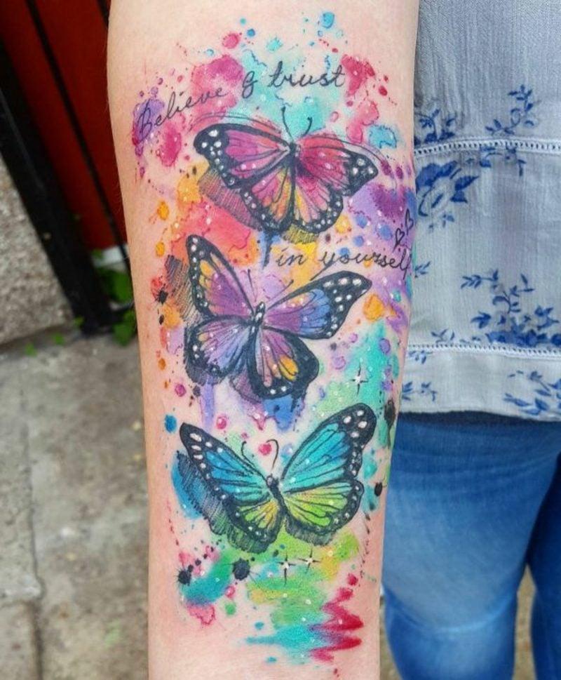 Aquarell Tattoo Schmetterling herrlicher Farbenspiel