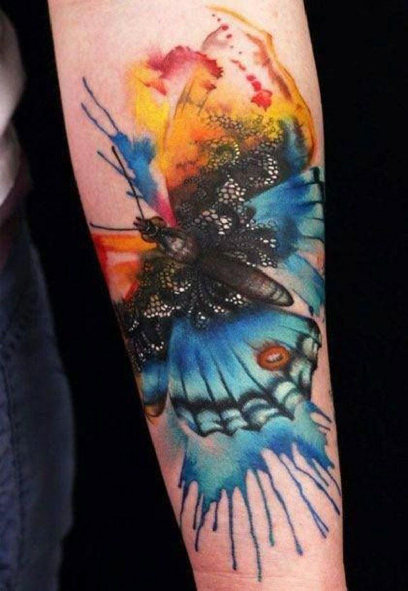 Aquarell Tattoo Schmetterling bunt ineinander fliessende Farben