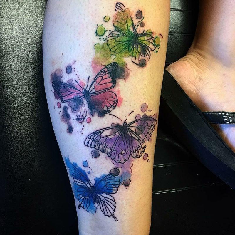 Aquarell Tattoo Schmetterling Bein herrlicher Look