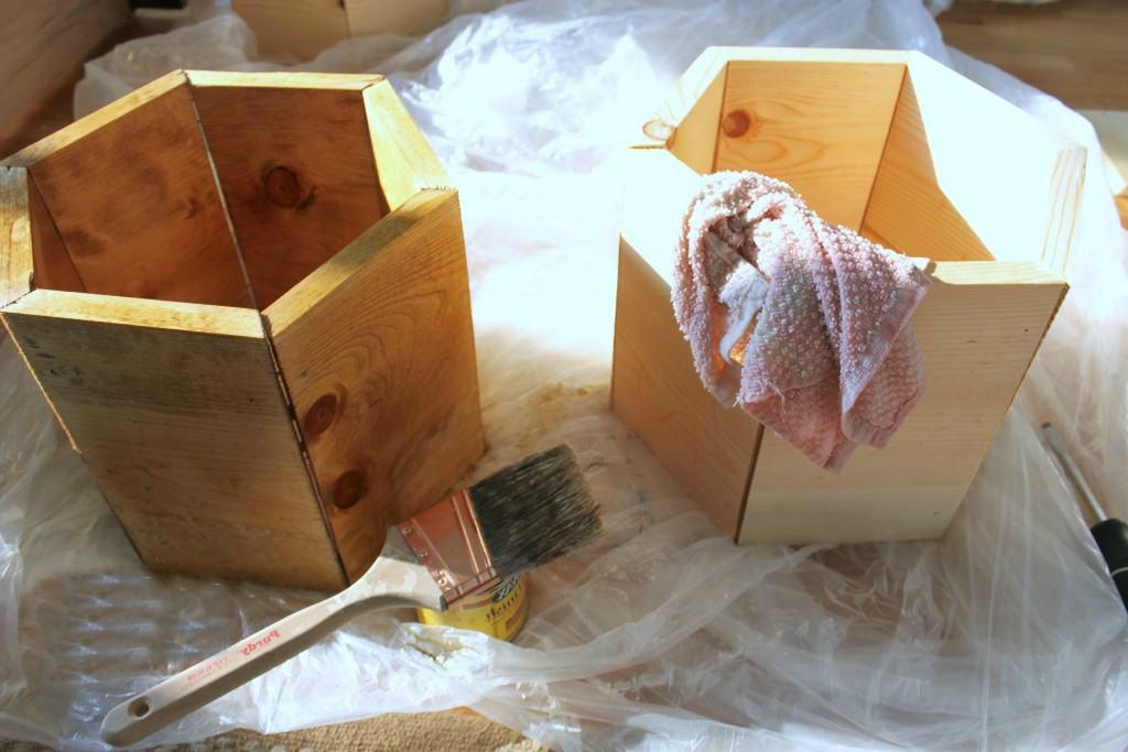 Ausgefallenes Schuhregal selber bauen: DIY Anleitung für Hexagon Zellen
