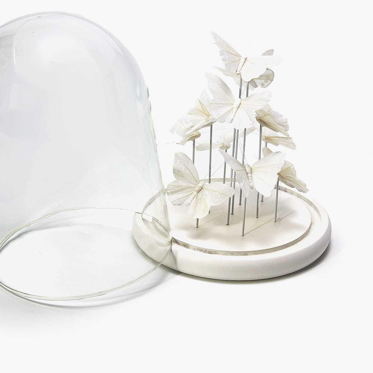 zauber im glas diy schmetterlinge unter einer glasglocke bastelideen diy zenideen. Black Bedroom Furniture Sets. Home Design Ideas