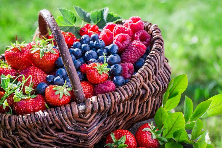 Richtige Haarpflege für den Sommer: Essen Sie gesund