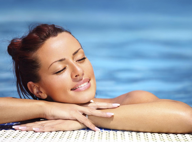 Gesunde und glänzende Haare im Sommersaison ist kein Myth, doch es ist ein ganz leicht erzielbar, wenn man über das Wissen verfügt, wie für seine Haare zu pflegen.