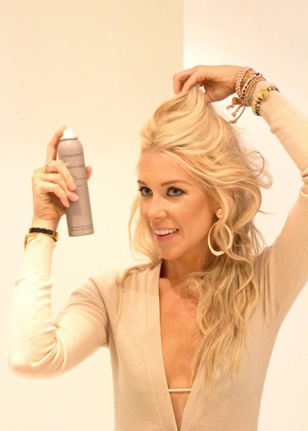 Richtige Haarpflege: Welche Haarpflegeprodukte sollten Sie im Sommer nutzen?