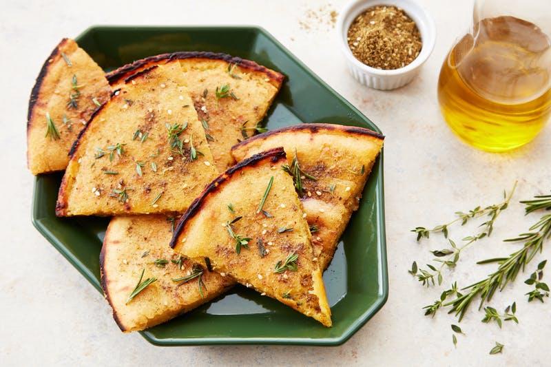 Low Carb Rezepte mit Kichererbsenmehl: Knuspriges Brot