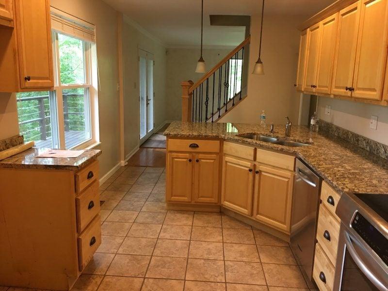 Küchenfronten und Küchenschränke günstig erneuern: Vorher