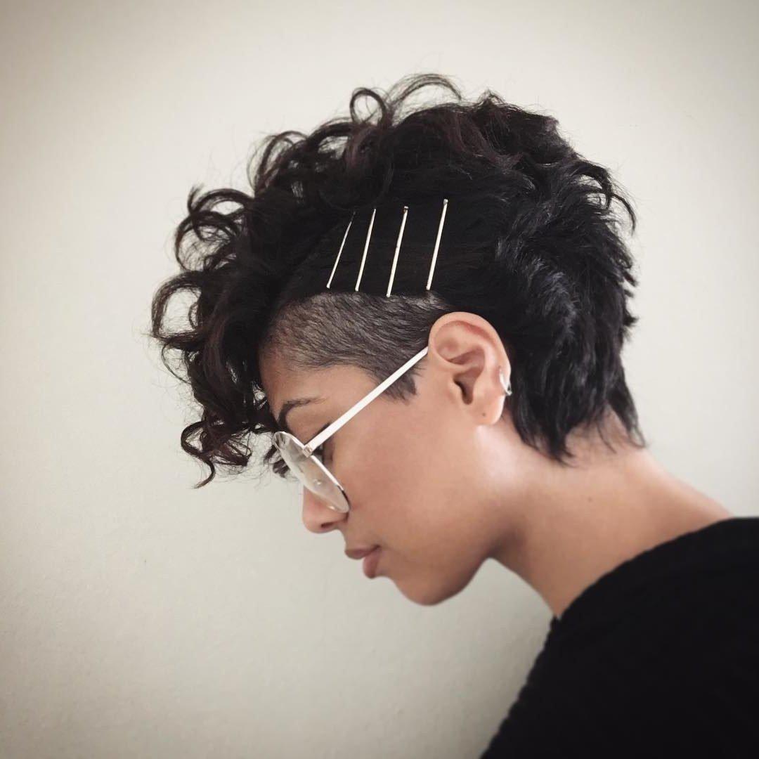Die Kurzhaarfrisuren 2018: Die Haare selber schneiden