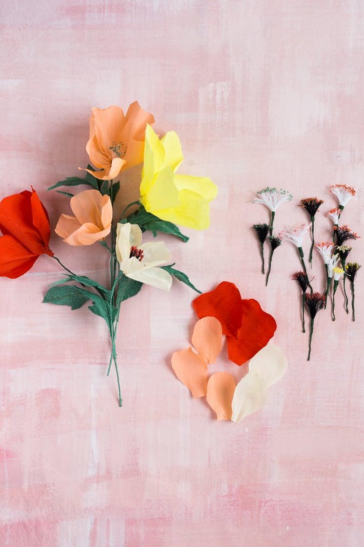 Blumen aus Papier basteln: Anleitung für Mohnblumen