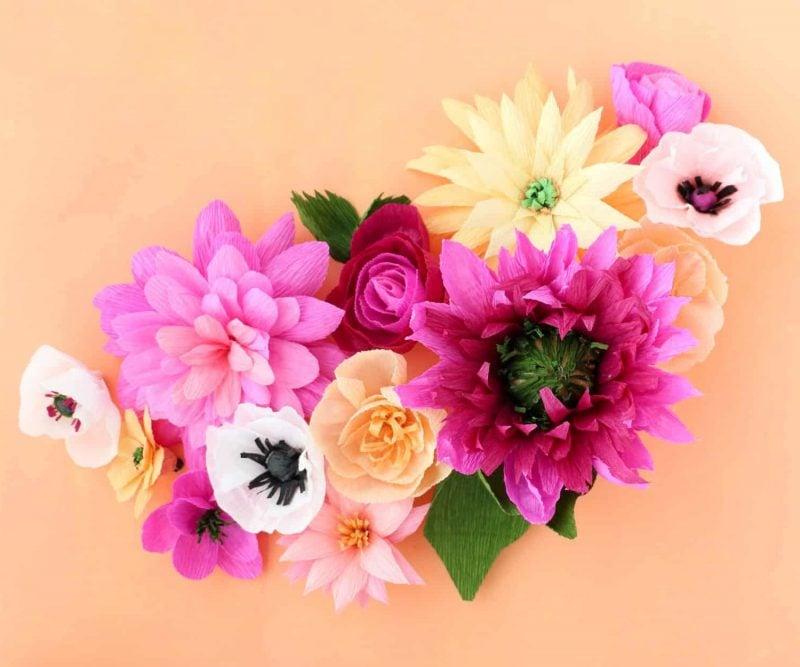 DIY Papierblumen Basteln: Basteln Sie umwerfend und echt aussehende Blumen aus Krepppapier