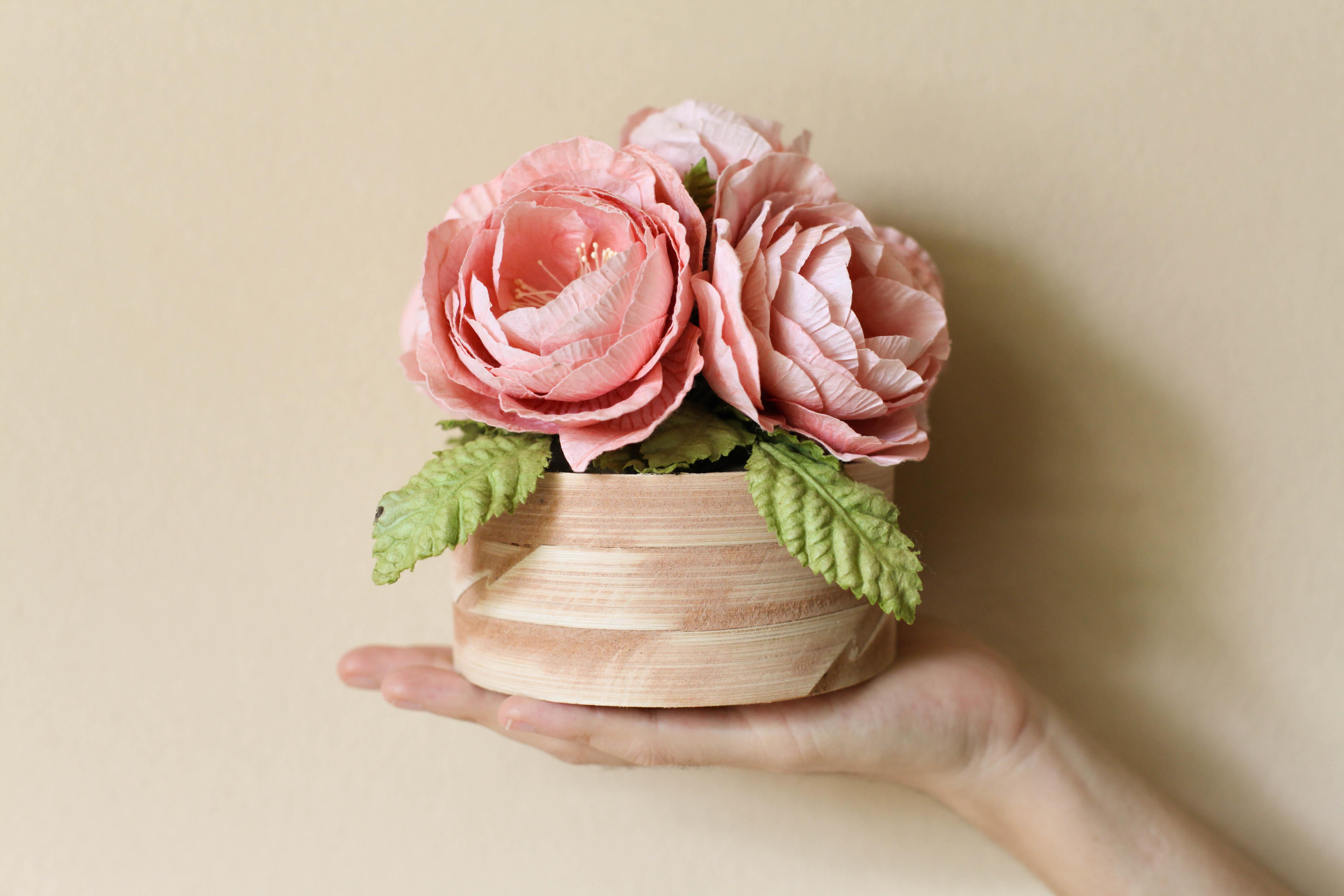 Geschenkideen zum Nachmachen: Blumen aus Krepppapier