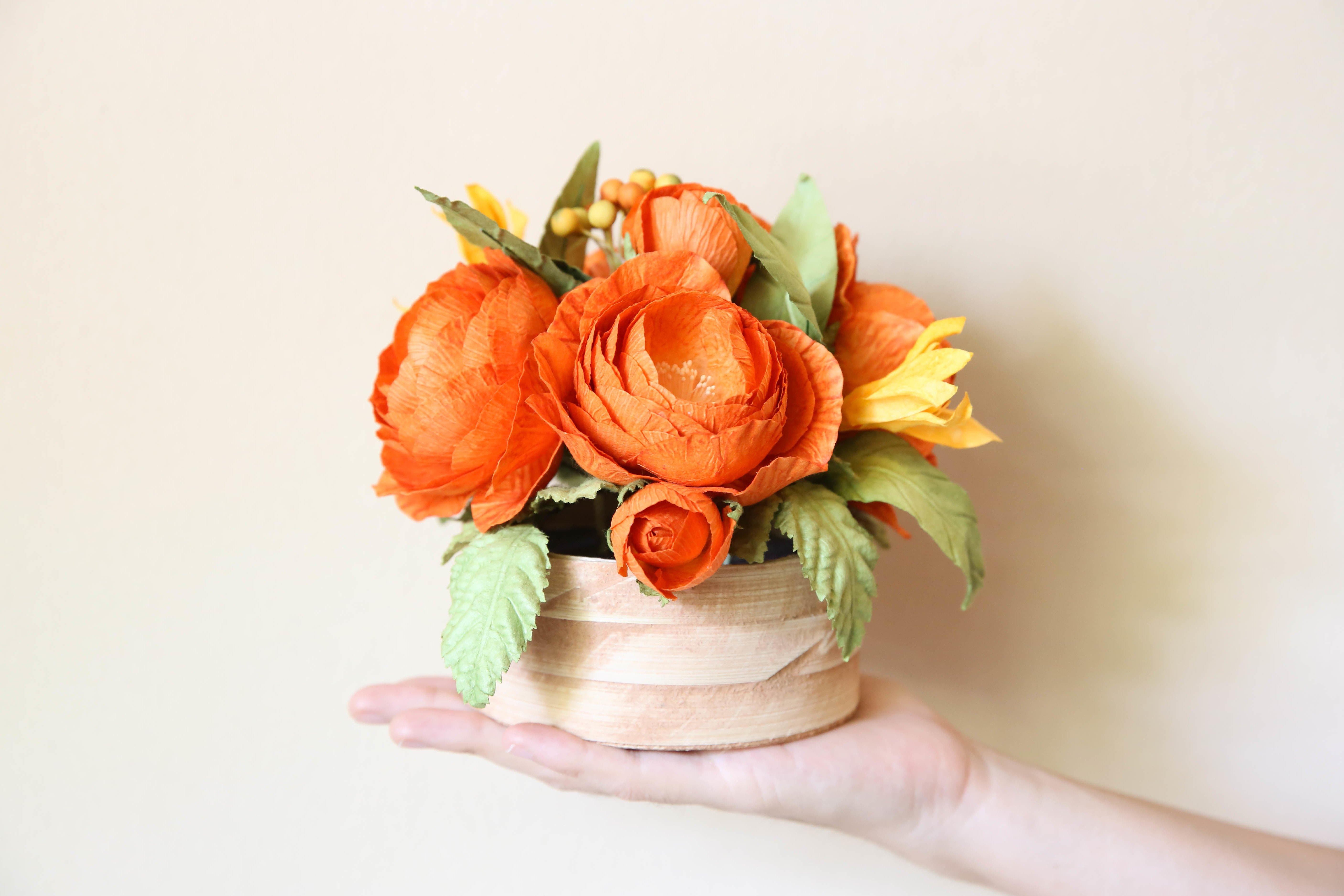 Bastelanleitungen für die Hochzeit: Blumen aus Krepppapier
