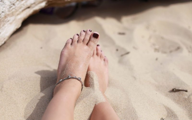 Für den perfekten Strand Look: total empfehlenswert ist auf die schöne Pediküre zu setzen