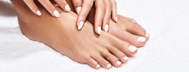 Professionelle kosmetische Fußpflege zu Hause