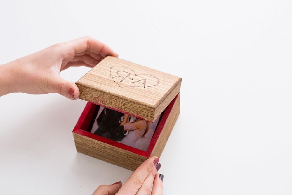 Bastelideen mit Holz: Foto Schachtel basteln