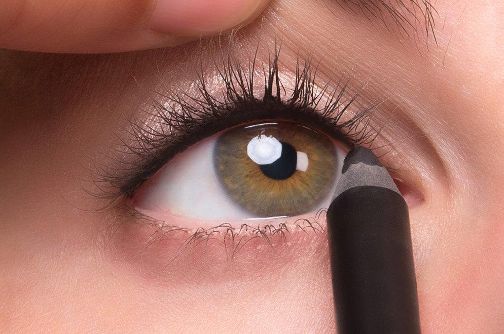 Schlupflider schminken ab 50 - praktische Tipps und Schminktechniken