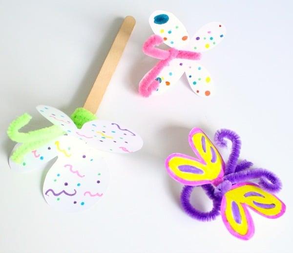 Tolle Ideen zum Basteln mit Krippenkindern; Schmetterlinge Basteln aus Papier