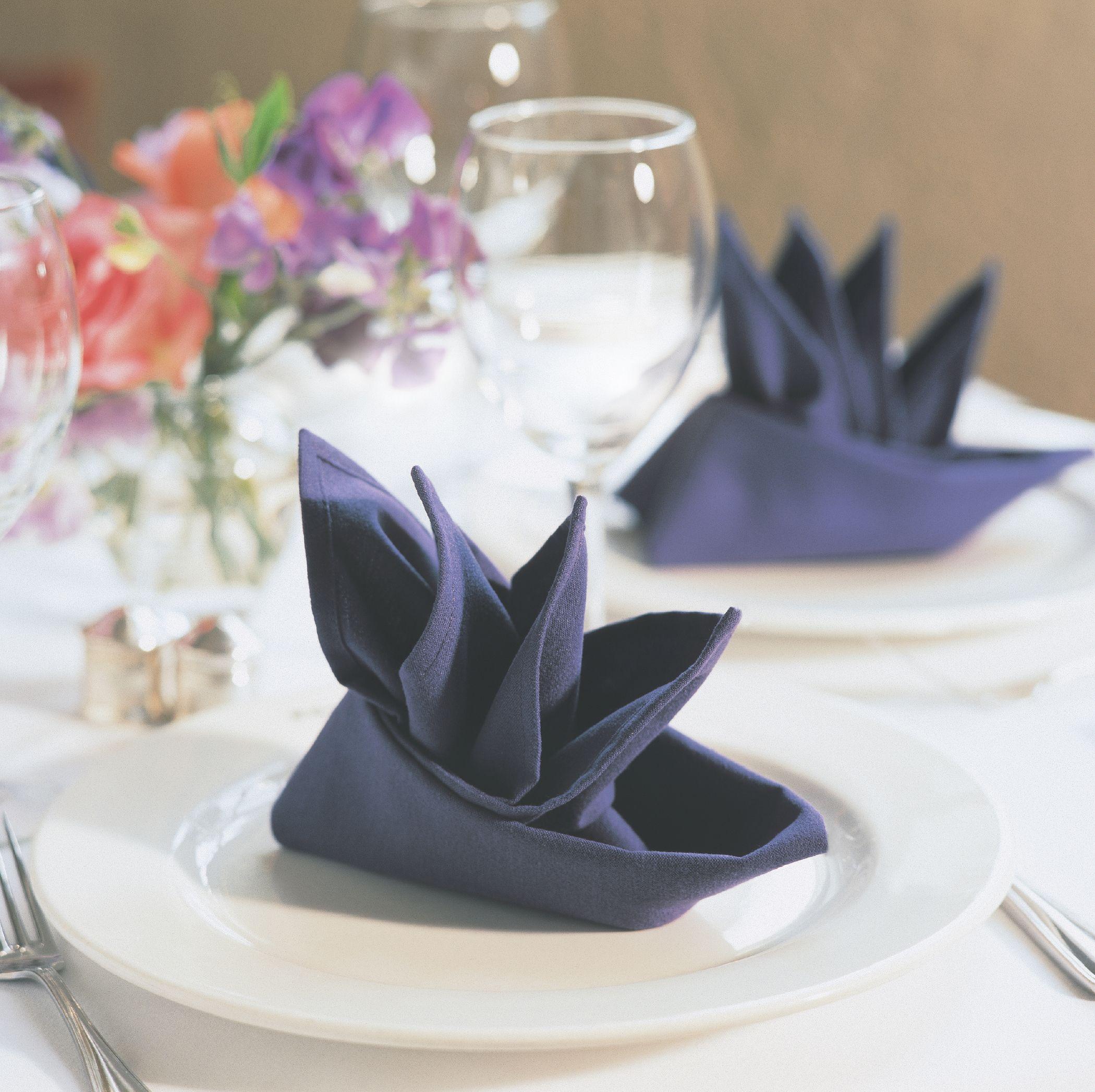 Servietten falten - schöne Muster für Servietten Hochzeit