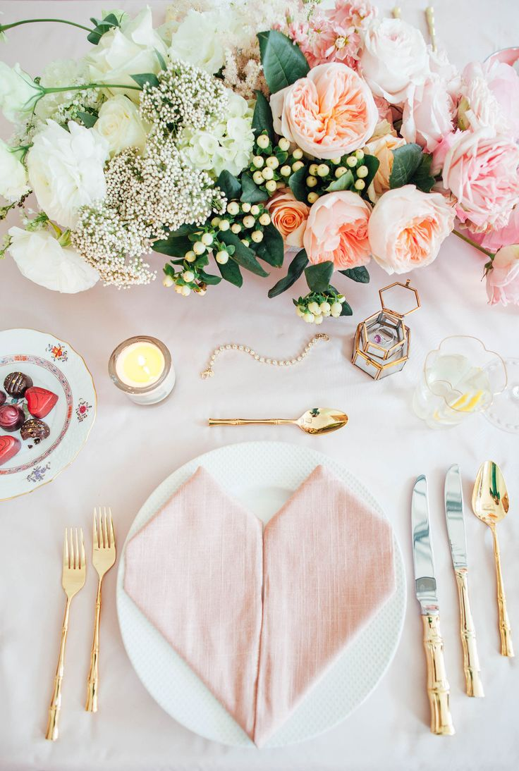 Das beliebteste Motiv für die Hochzeitstafel - Herz Serviette
