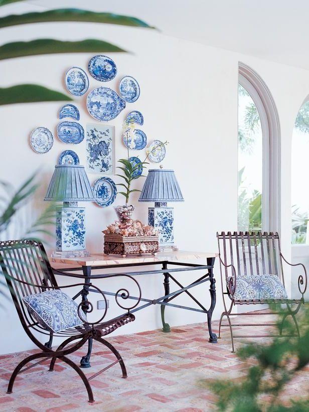"""Bei der Wahl für passenden Accessoires zur Terrassengetsaltung mediterran lautet die Regel: """"Schlichtes Design"""", sondern ist alles erlaubt."""
