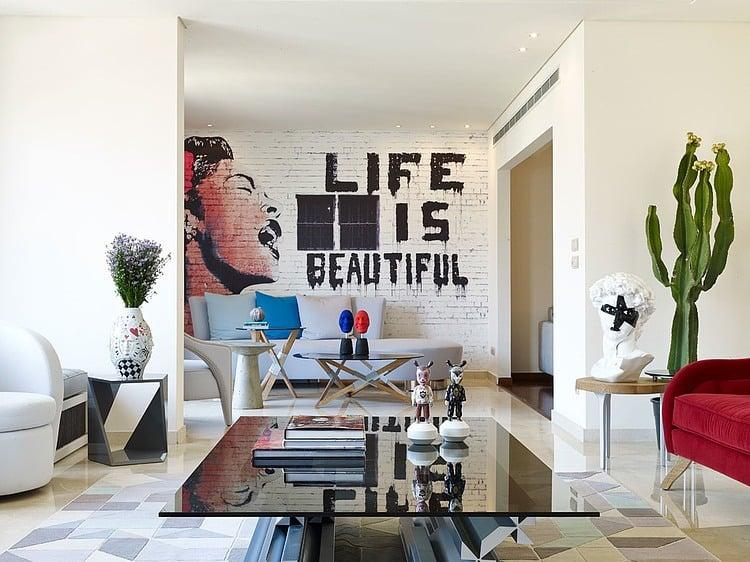 Bringen Sie Farbe ins Leben mit unseren glamourösen Wand Streichen Ideen mit Graffiti, weil jeder Blick auf eine schöne Graffiti Wand für Ihre besser Laune dient.