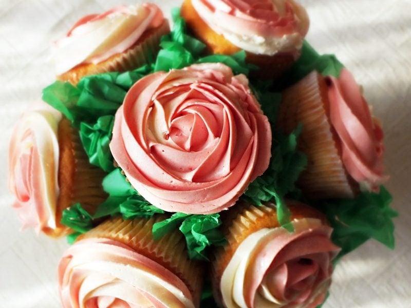Geschenkideen beste Freundin selber machen essbar Cupcake Blumenstrauss