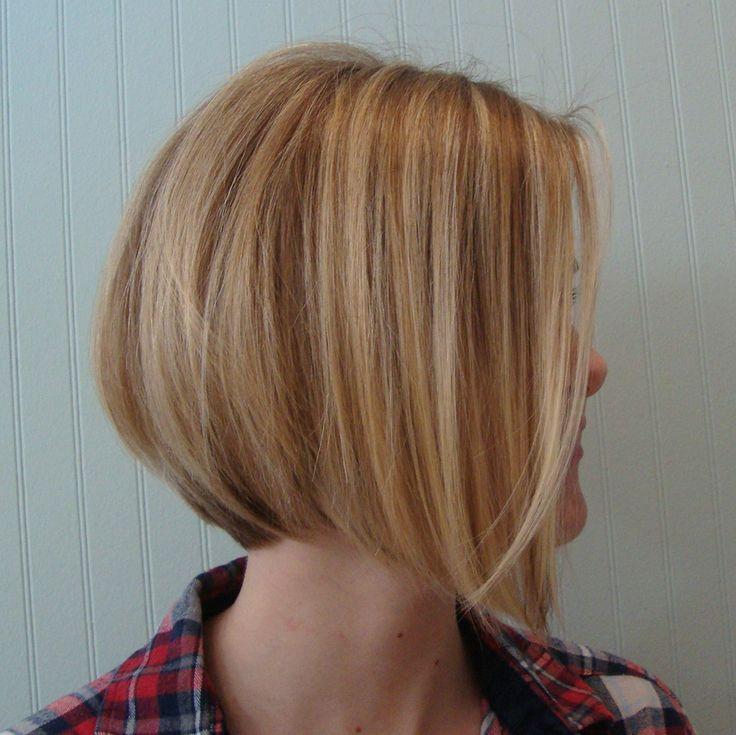 Bob Frisuren Hinterkopf gestuft kurze Haare blond