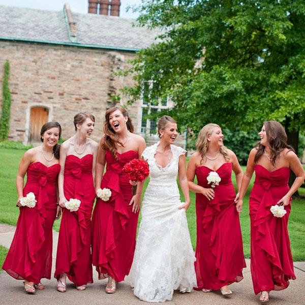Kleider für Hochzeitsgäste Brautjungfern knallrot