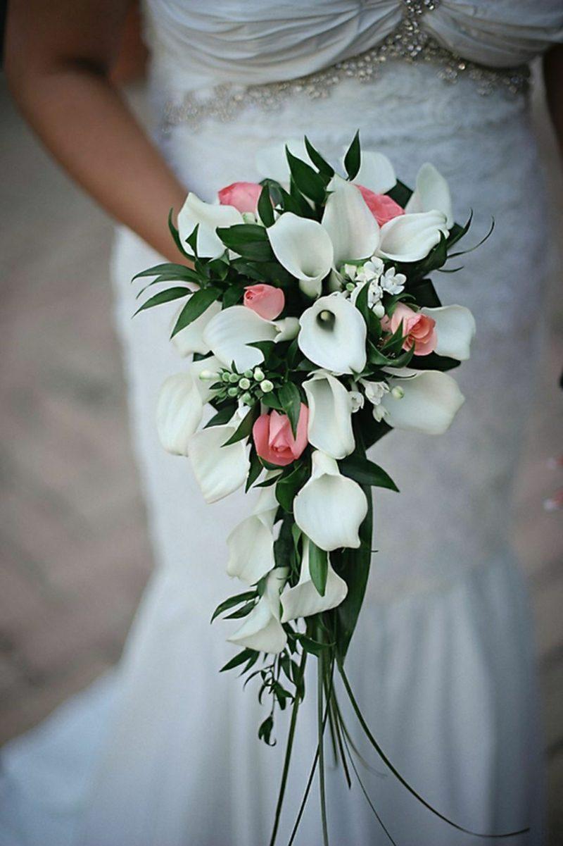 Brautstrauβ Wasserfall Rosen rosa Callas weiss