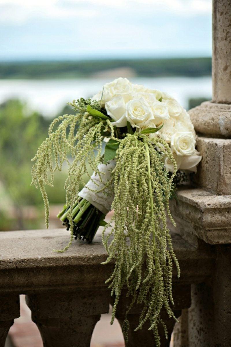 Brautstrauβ Wasserfall weisse rosen