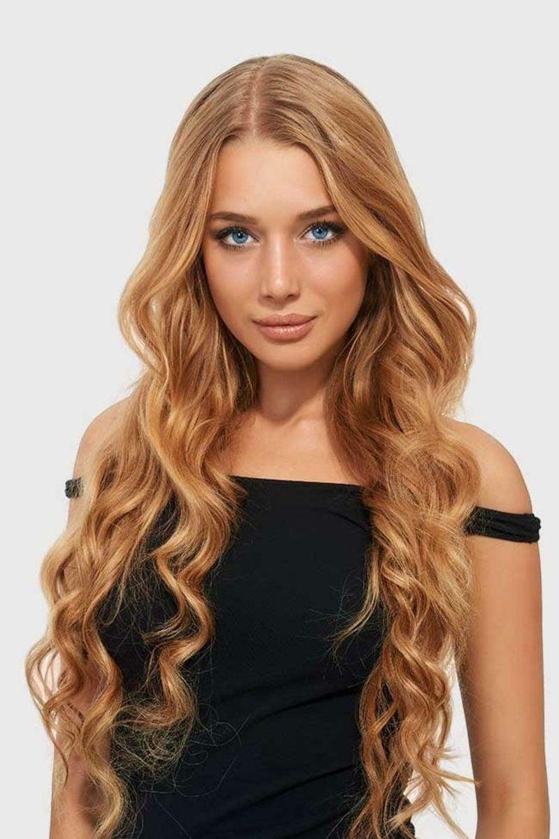 Haarfarbe Caramel Blond lange Haare blaue Augen