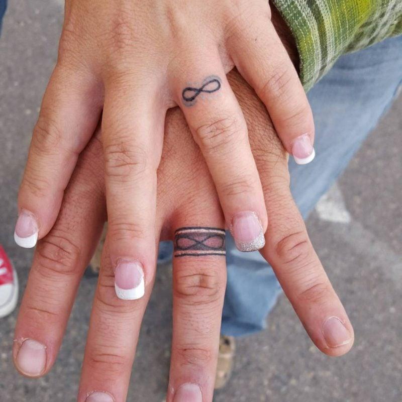 Ehering Tattoo Motive Ringfinger Unendlichkeitszeichen
