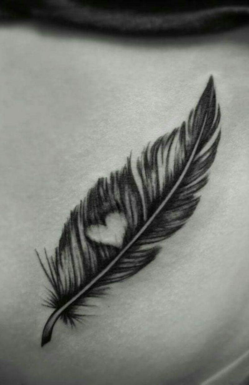 Feder Tattoos tolles Design mit Herz