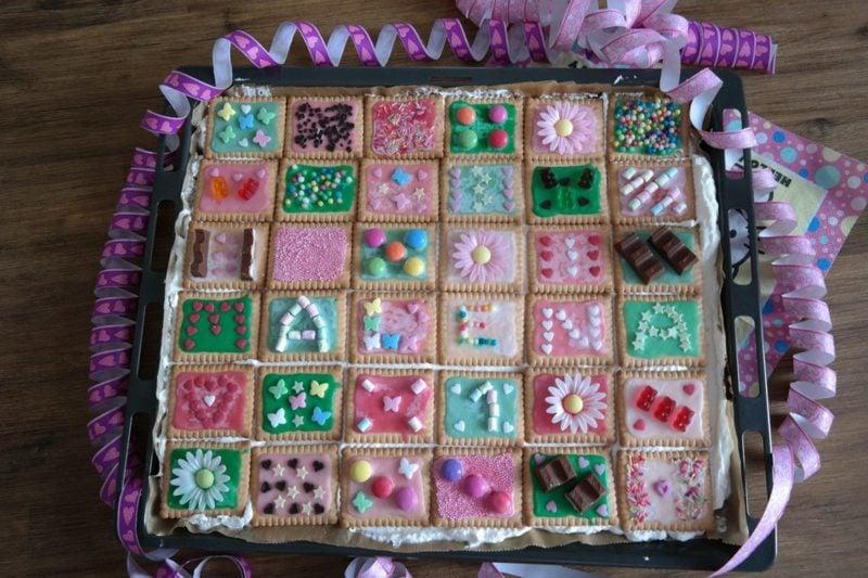 Backen mit Kindern Fliesenkuchen mit Buterkeksen