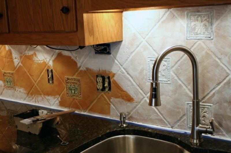 Fliesen streichen Küchenrückwand