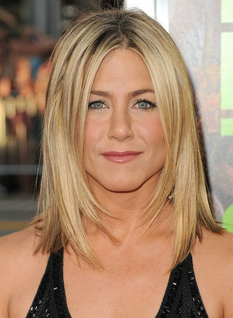 Frisuren halblang Stufenschnitt Jennifer Aniston