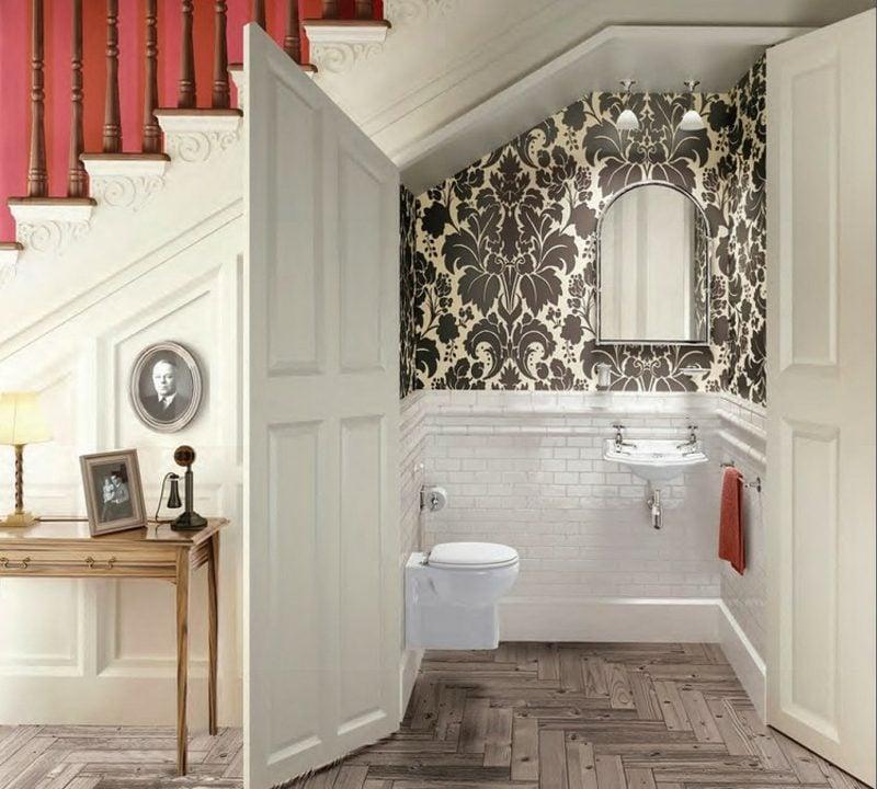 Gäste WC Gestaltung Beispiele unter der Trepe Tapeten originell