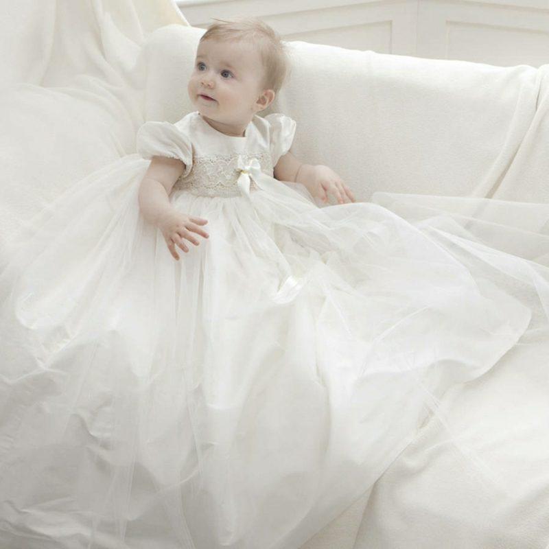 Geschenke zur Taufe Babykleidung