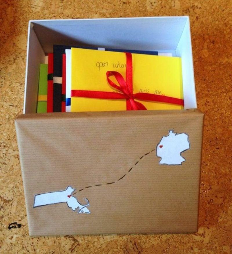 Ӧffne mich wenn Briefe in Geschenkbox verpacken
