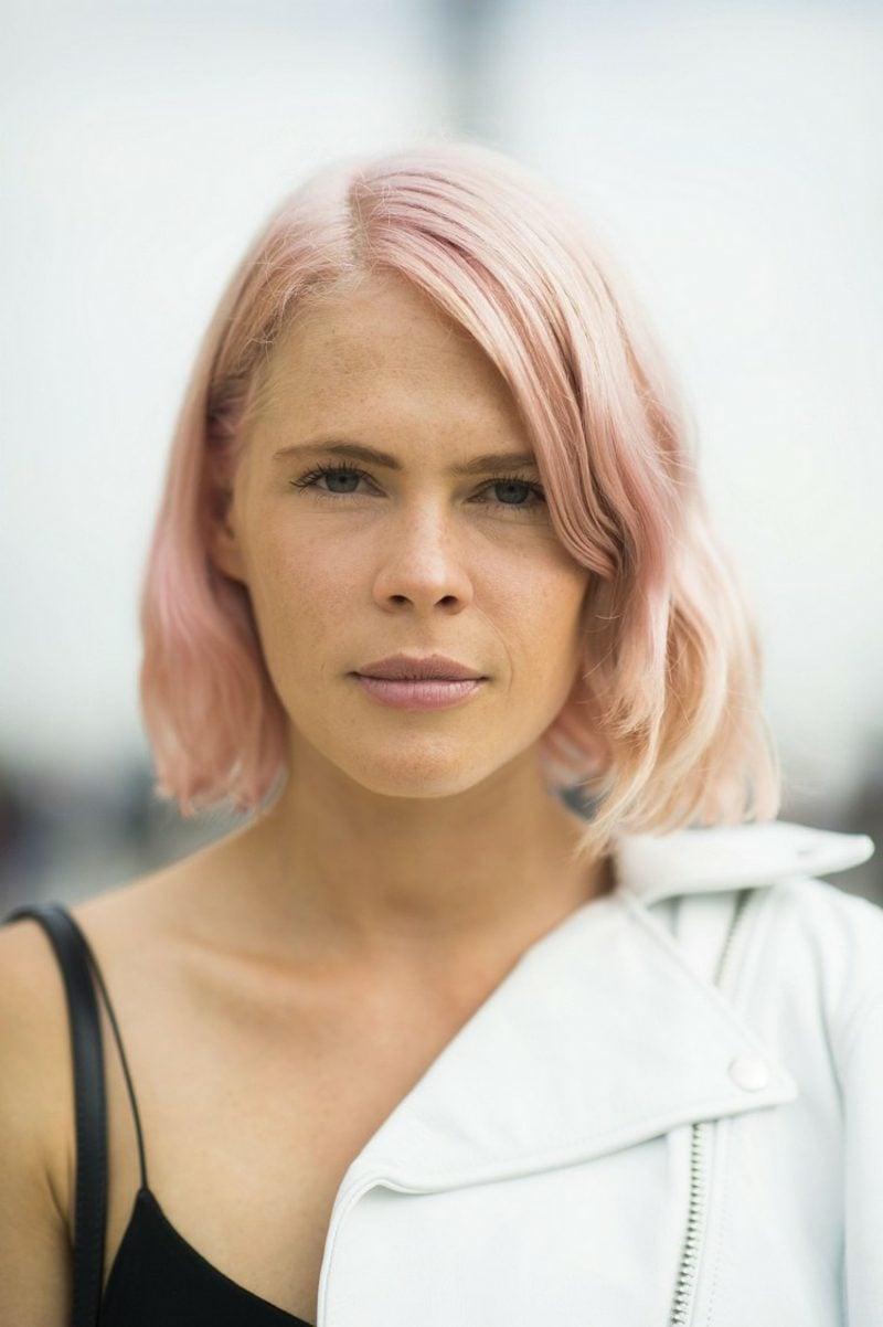 pastellrosa Haare färben kurz origineller Look