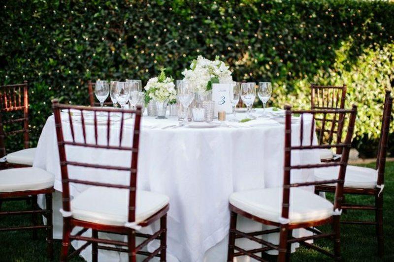Hochzeit im Garten feiern Tischdeko Ideen